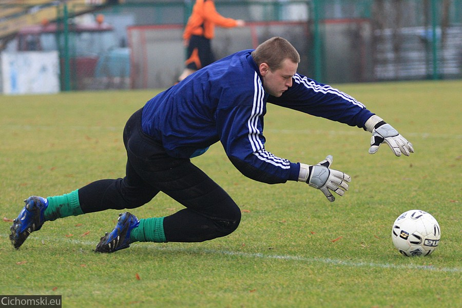 2009.11.11 Hutnik Szczecin - Ina Goleniow 10